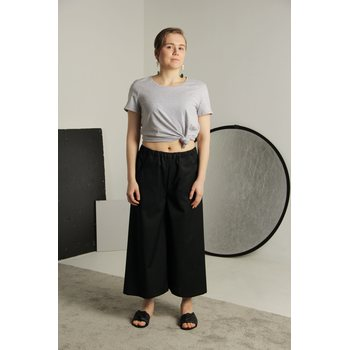 Planet Planet Comet Culottes, Musta