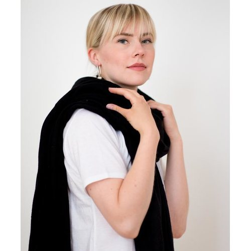 Store of Hope Large Knitted Cashmere Scarf, Black